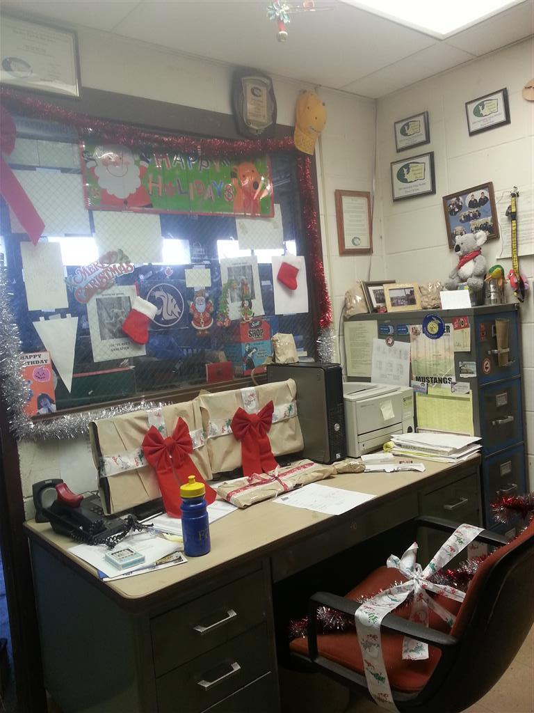 The general consensus agrees that this office looks much better with Christmas spirit!