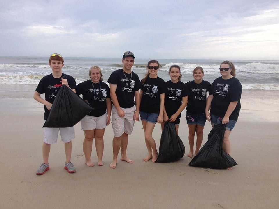 The officers evaluated which group collected the most trash after the hour of collection time.